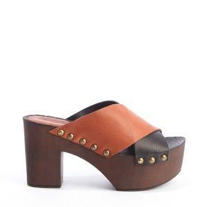 Charles David Mania Sandal Platform Clog